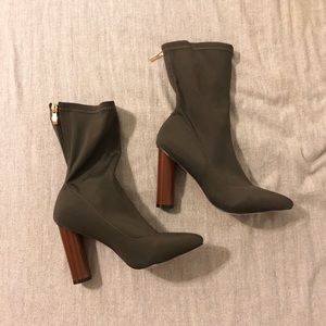 olive green booties (FINAL PRICE)